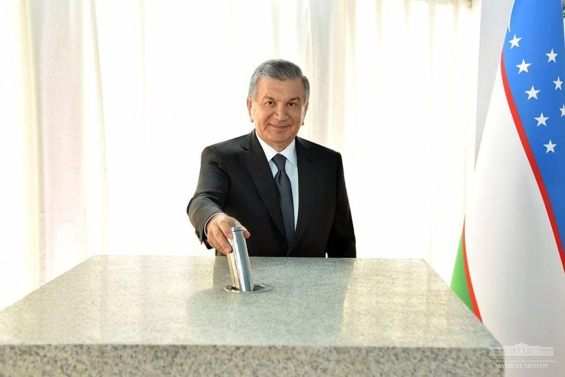 Президент дал старт строительству солнечной электростанции в Шерабаде