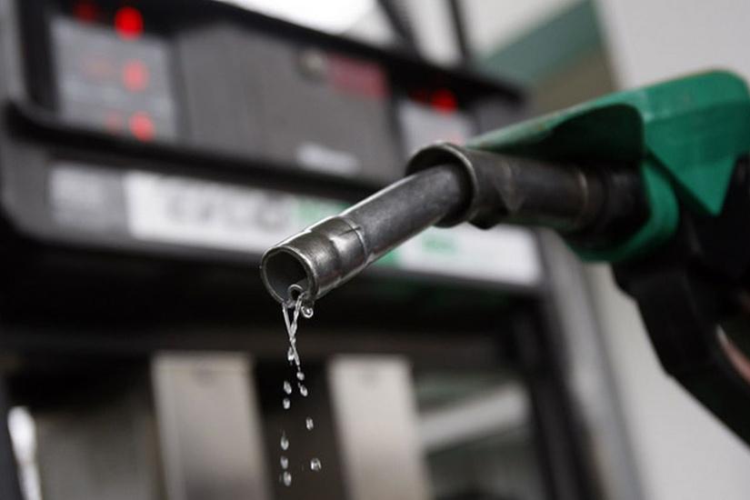 Казахстан продлит ранее введенный запрет на вывоз бензина за пределы страны автотранспортом