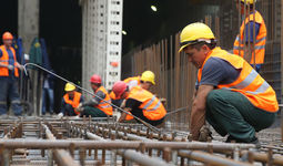 1,7 млн узбекистанцев работают за рубежом