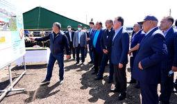 Абдулла Арипов и Аскар Мамин дали старт строительству нового микрорайона