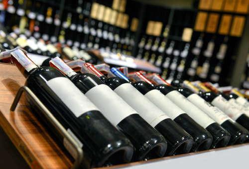 28 оптовых предприятий по продаже алкоголя реализованы частным компаниям Узбекистана