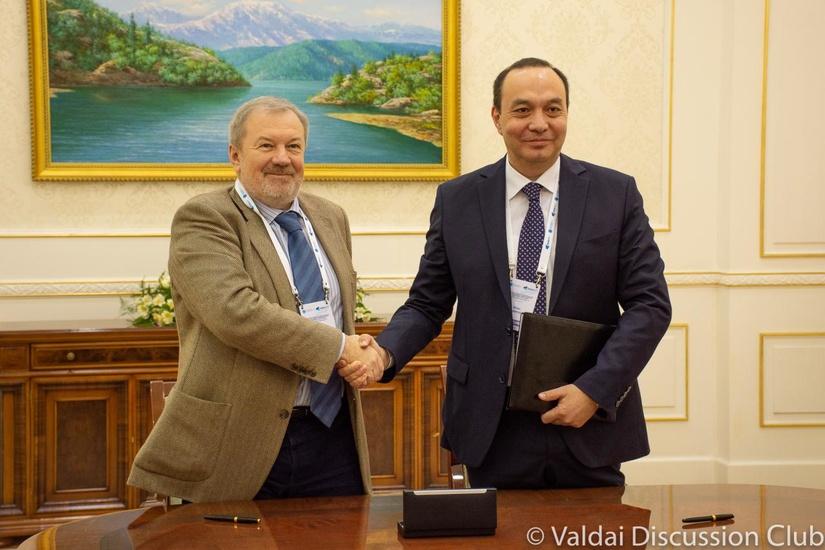 ИСМИ и Клуб «Валдай» подписали соглашение о сотрудничестве