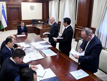 Президент Узбекистана провел совещание по вопросам предотвращения коронавируса
