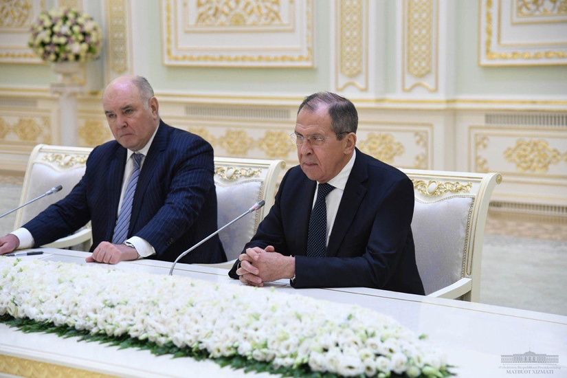 Президент Шавкат Мирзиёев принял министра иностранных дел России Сергея Лаврова