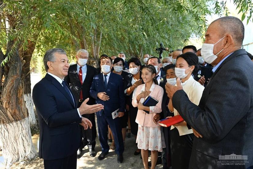 Shavkat Mirziyoyev Qoraqalpog'istonda saylovchilar bilan uchrashdi