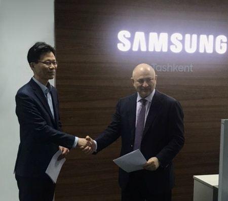 «Узбекистон почтаси» и южно-корейская корпорация Samsung Electronics подписали меморандум